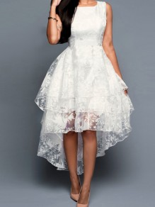 White Patchwork Lace Pleated Swallowtail Round Neck Maxi Dress