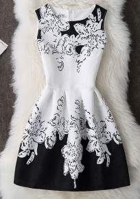 White Floral Pleated Zipper Round Neck Mini Dress