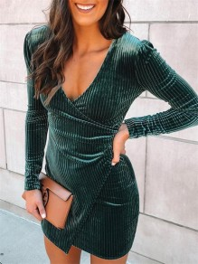 Green Tiered V-neck Long Sleeve Bodycon Fashion Clubwear Party Mini Dress