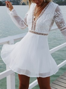 White Lace Backless Chiffon Deep V-neck Long Sleeve Fashion Beach Mini Dress