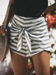 Black Striped Print Zipper Lace-up High Waisted Fashion Short Pants