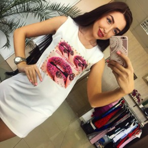 White Floral Lip Print Round Neck Sleeveless T-Shirt