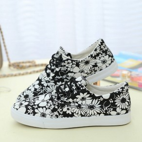 Black Round Toe Flat Floral Print Casual Shoes