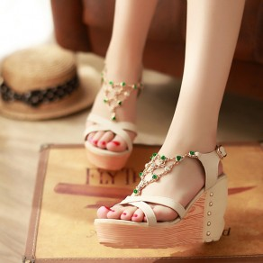 Beige Piscine Mouth Wedges Chain Rhinestone Buckled Casual Ankle Sandals